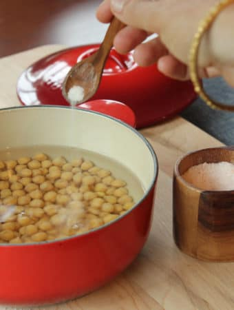 Cook raw chickpeas from scratch