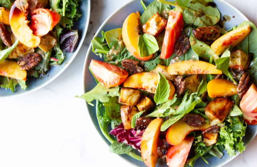 Peach salad with spiced pecans